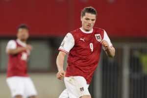 Европейские гранды ввязались в борьбу за хавбека сборной Австрии