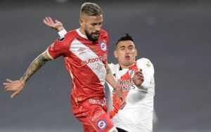 Прогноз на матч «Архентинос Хуниорс» — «Ривер Плейт»