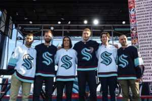 Новичок НХЛ объявил состав на сезон