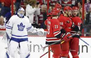 Прогноз на матч «Каролина Харрикейнз» – «Торонто Мейпл Лифс»